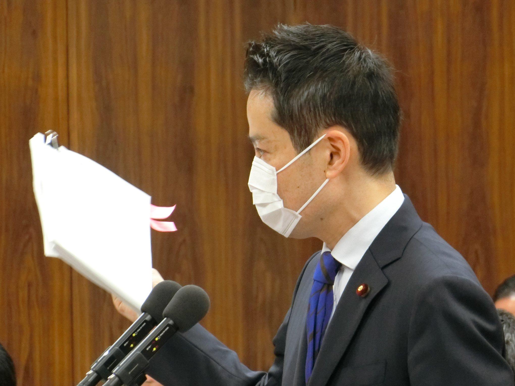 関西電力の森本孝新社長と質疑