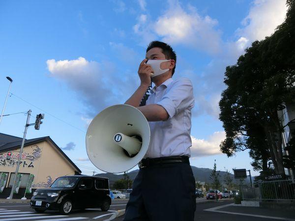 小浜、敦賀市で、民宿や自動車販売、介護事業者の方などと意見交換をしました。